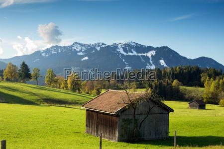 capanna in montagna