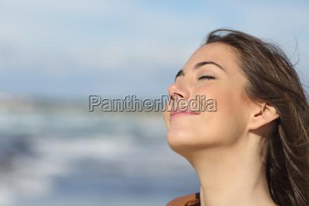 donna sogno sognare profondo calma respiro