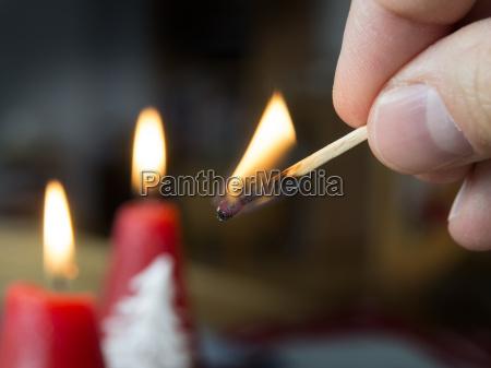 candela candele fiammifero ardente bianco illuminazione