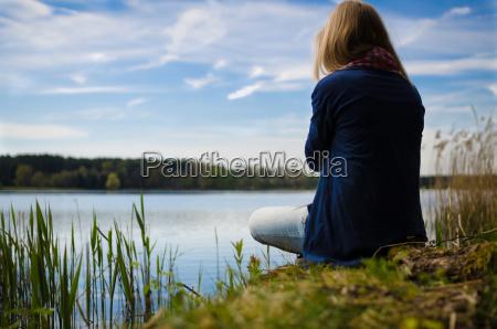 pensare a un lago