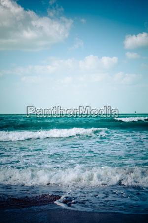 spiaggia di mare vuota