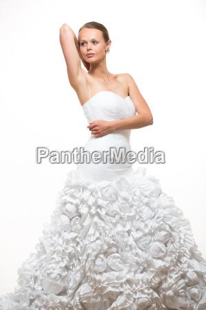 splendida sposa nel suo abito da