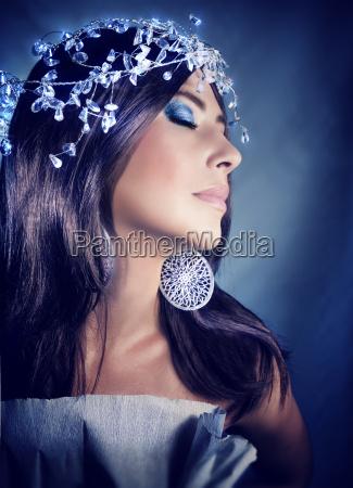 alla moda trendy femminile ritratto occhi