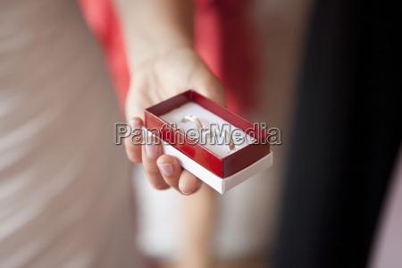 mano nozze matrimonio convivenza sposare tenere