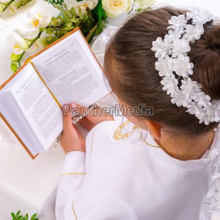 religione religioso chiesa candela piccione comunione