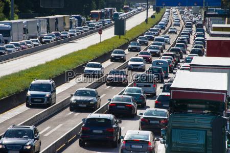 traffico automobilistico sullautostrada