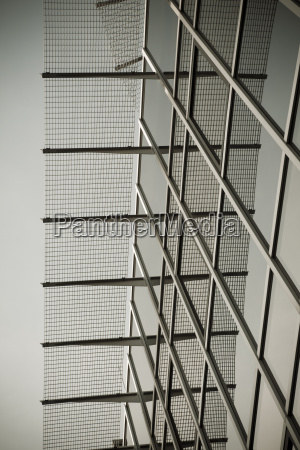 costruzione in vetro e acciaio architettura