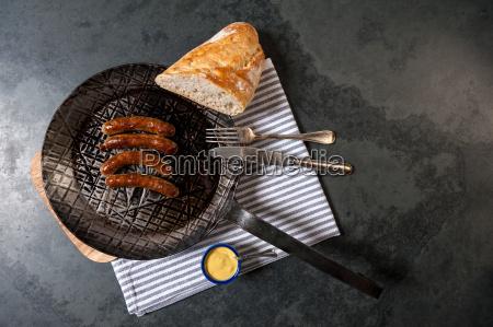 pane norimberga senape crauti mangiare padella