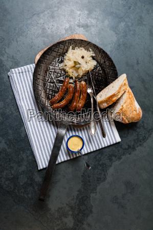 salsicce, arrosto, con, crauti, in, padella - 13550010