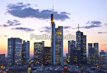 banca casa costruzione grattacielo progettazione concetto