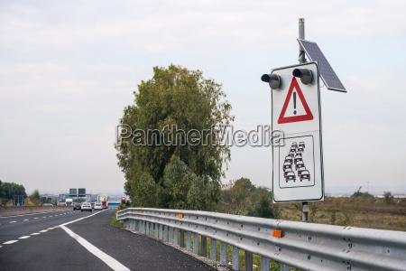 segnale traffico trasporto percorso direzione tracciato