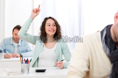 donna studiare studio risata sorrisi insegnante