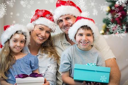 famiglia che indossa il cappello di
