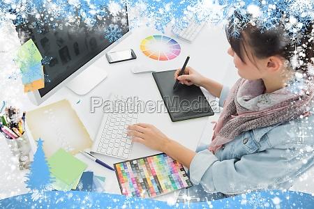 donna ufficio carriera tastiera pc computer