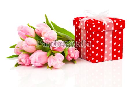 tulipani con scatola regalo rossa