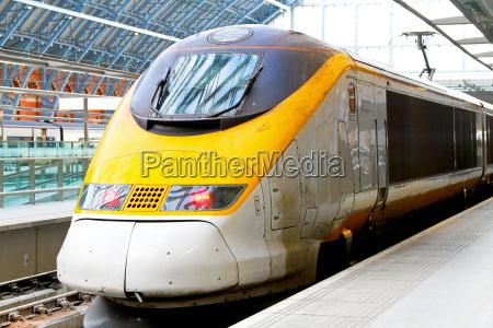 treno veicolo mezzo di trasporto trasporto