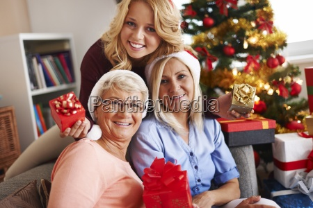 casa costruzione risata sorrisi donna donne