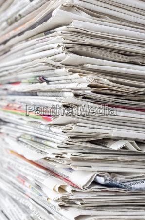 pile di giornale