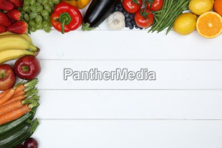 verdure e frutta come mela arancia