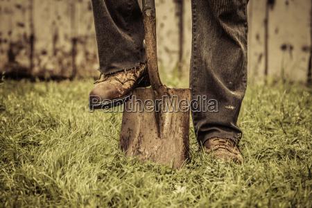 dettagli di piedi e pala