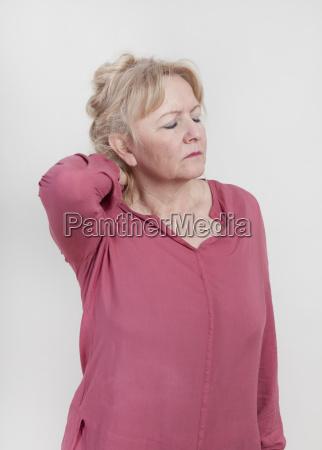 donna mano salute persona muscoli dolore