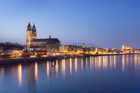 viaggio viaggiare cattedrale notte germania stile