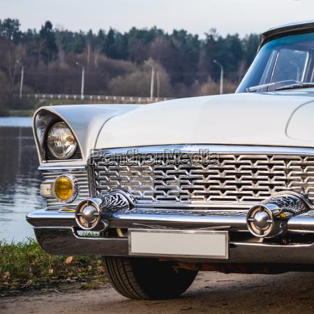 vecchio retro o vintage auto lato
