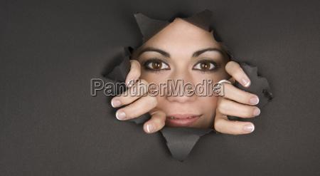 sbirciare una donna sguardo boo rompe