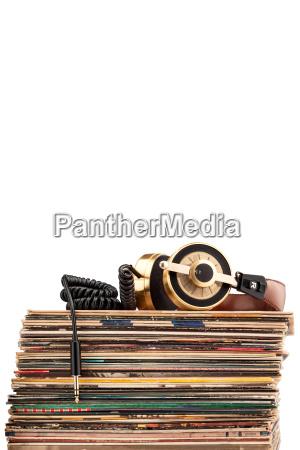 cuffie e dischi in vinile