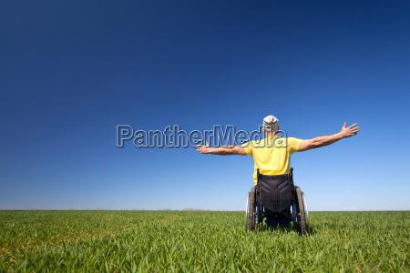 sedia a rotelle salute moderno liberta