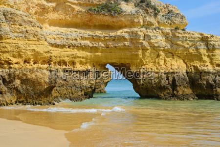 pietra sasso grotta riva del mare