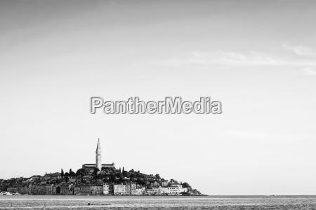 citta di rovigno sulla costa adriatica