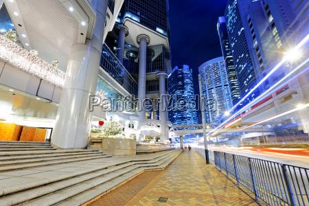 notte di traffico di hong kong