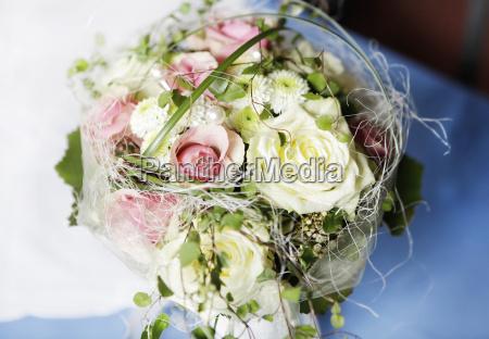 bouquet da sposa con rose gialle