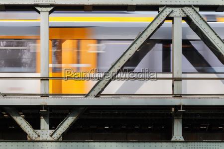 treno veicolo mezzo di trasporto ponte