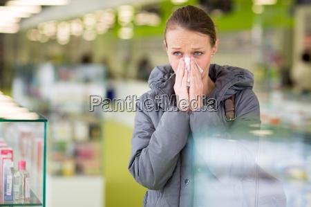 donna pillole infezione giovani farmacia