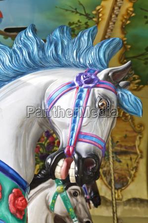 parco giro cavallo carosello calvacata divertimento