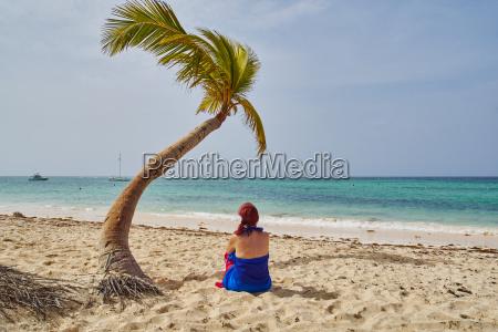 donna palma capelli rossi cocco repubblica
