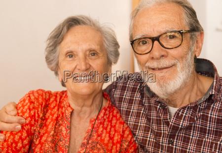 vecchia coppia al ristorante