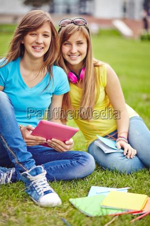 ragazze adolescenti moderne
