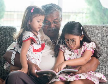 libro di lettura familiare insieme