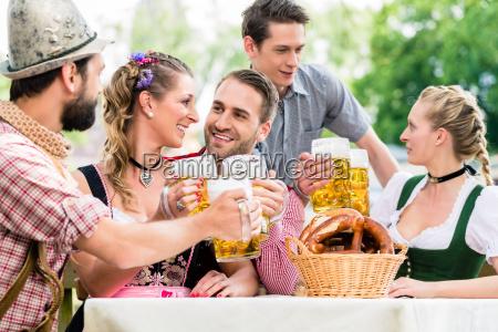 nel giardino della birra gli
