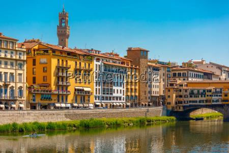 viaggio viaggiare citta turismo europa toscana