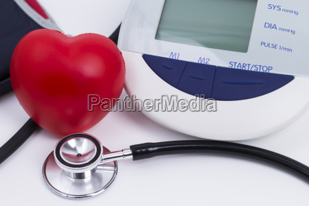 salute cuore stetoscopio indagine pressione alta