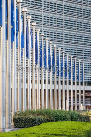 bandiere dellunione europea a bruxelles