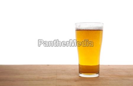 bicchiere rilasciato primo piano appartato birra