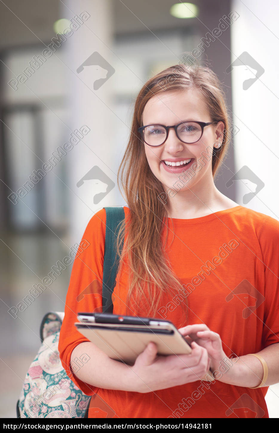 student, girl, with, tablet, computer - 14942181