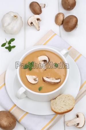 zuppa di funghi zuppa di funghi