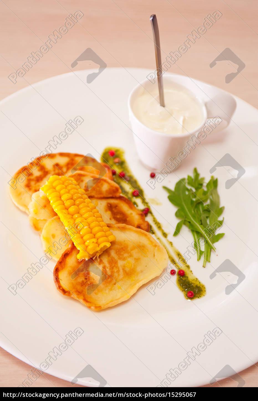 corn, pancakes, in, plate - 15295067