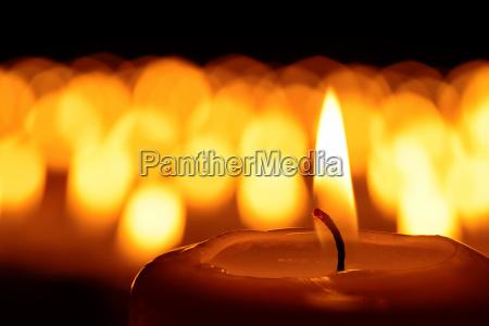 religione luci lutto dolore candele terme